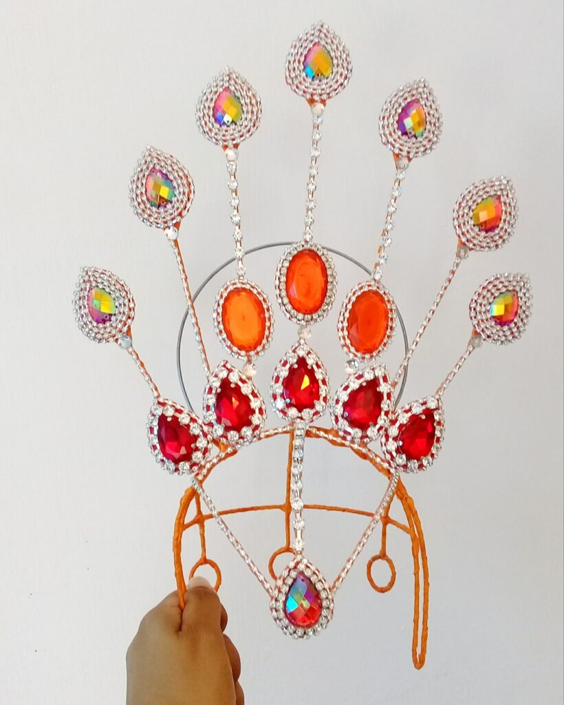 Simple headdress - Miss Glamurosa Costumes